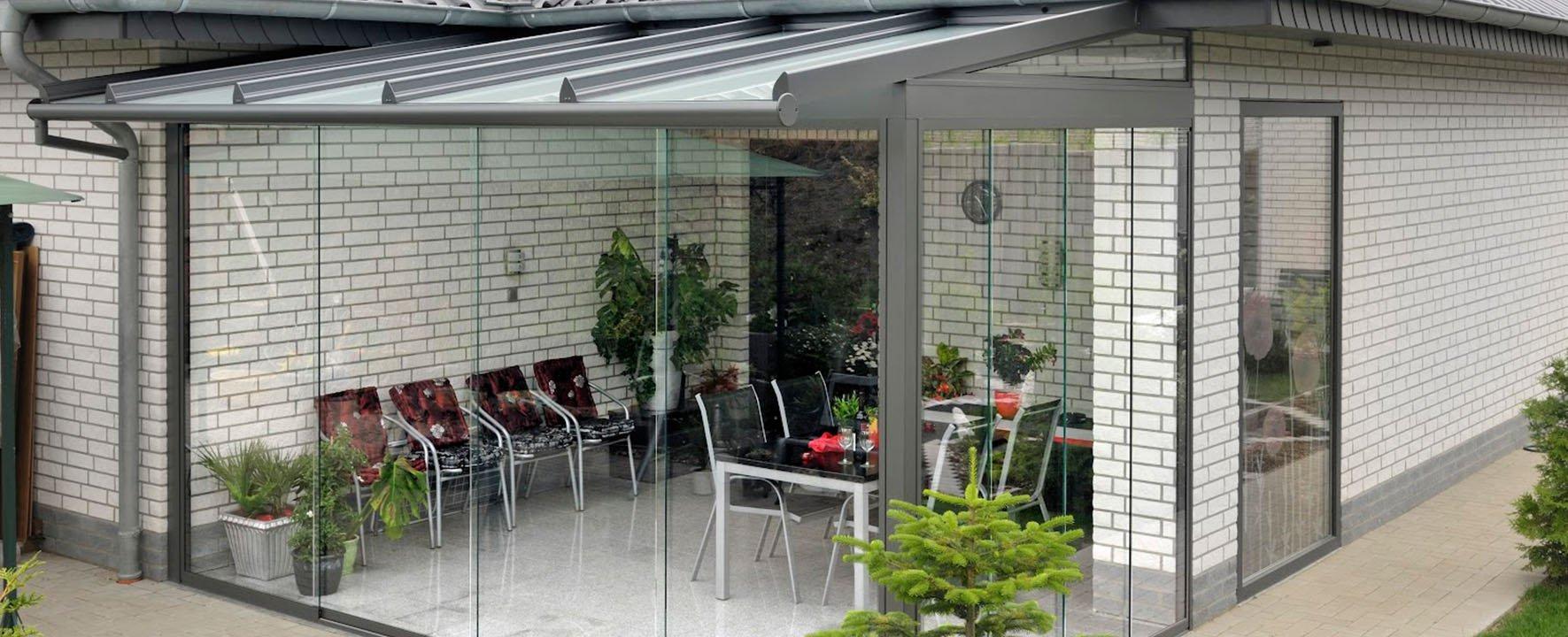 Безрамное остекление фасадов, витрин, балконов