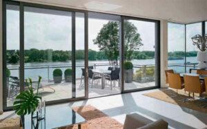 Доступные по цене сдвижные межкомнатные двери, делают их всё более привлекательными в использование