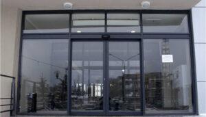 Особенность автоматических раздвижных дверей, в том что они прочны, надёжны и самое главное нетребовательны к обслуживанию